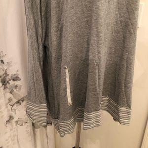 erin london Tops - Grey long sleeve shirt